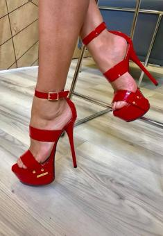 sandale milaNo red